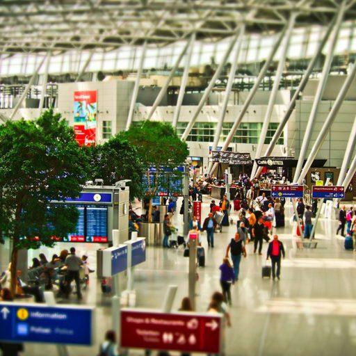 airport-1515448_pixabay_michaelgaida - small